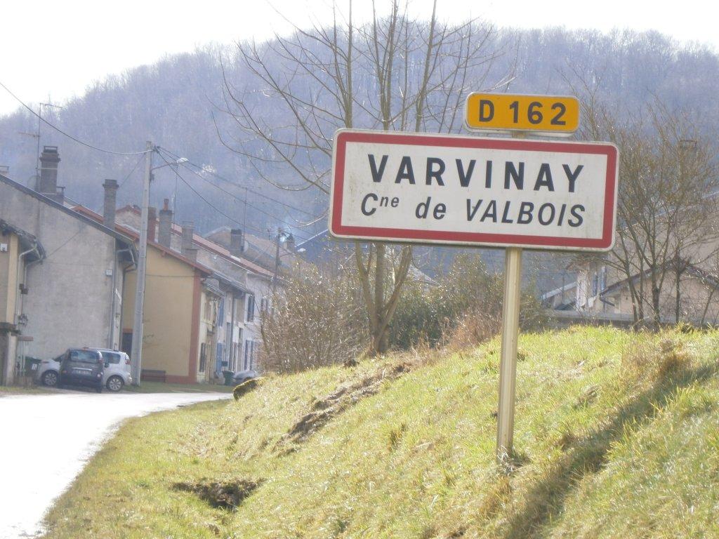 Entree van het dorp